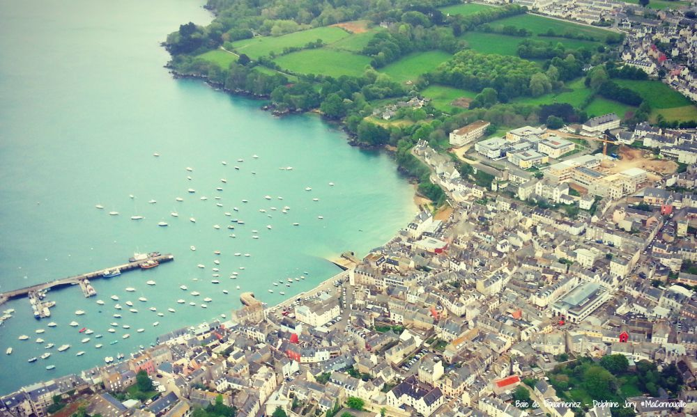 la baie de douarnenez vue du ciel ma cornouaille. Black Bedroom Furniture Sets. Home Design Ideas