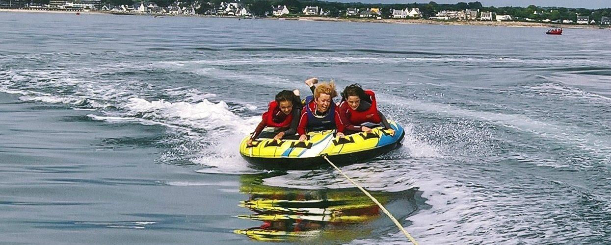 Bouée tractée et paddle party à Sainte-Marine